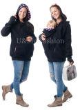 Baby-Kleidung durch das Baby-Tragen Mothercarrier Hoodies