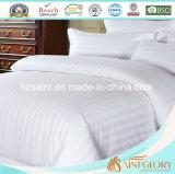 O fundamento branco do hotel ajusta jogos da folha de estilo da listra com tela de algodão pura