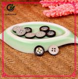 Кнопка черного костюма кнопки рубашки ребенка кнопки смолаы круглая
