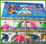 Animaux d'approvisionnement d'usine élevant des jouets avec la saleté de cristal de l'eau