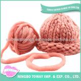 Chapeau en laine de crochet à la mode