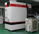Máquina de corte de láser de CO2 trabajando en Stencil