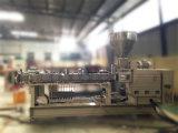 Extrusora de doble tornillo de acero nitrurado para la toma de gránulos de plástico