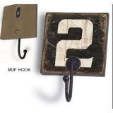 中国の卸し売り木のコートは壁に取り付けられたクラフトのホックを引っ掛ける