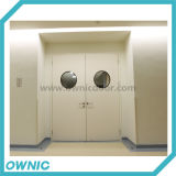 Dobro manual da porta de balanço aberto para a aplicação do hospital