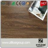 2017 Kunststoff polierte PVC Vinyl Bodenfliesen