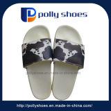 De nieuwe Zachte Pu Doordringende Pantoffels van de Aankomst voor Mensen