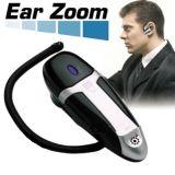 Zoom d'oreille pour des jeunes gens d'appareil auditif