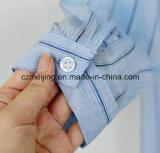 Camisa larga del algodón rayado azul de las mujeres