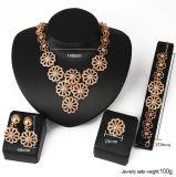 Bijou d'or africain de l'alliage 4 de PCS de fleur de rapport de mode multi réglée Exaggerated de collier