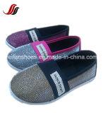 中国のキャンバスの注入は卸しで蹄鉄を打つ、新しい到着の子供の偶然のスリップオンの靴(HP-7)