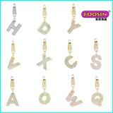 Encanto de cristal de prata barato do alfabeto da alta qualidade do OEM para a colar