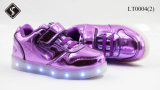 Odemaの子供、女性、LEDの靴の点滅のスニーカーを満たす人USB