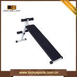 Gymnastik-Gerät gelöste Stahl gerade gekurvt sitzen oben Prüftisch