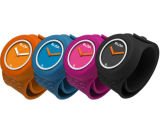 Form-wasserdichte Silikon-Armband-Klaps-Quarz-Armbanduhr
