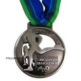 Médaille de marathon de Singapour avec le logo courant