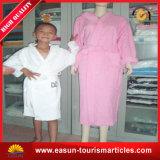 印刷された羊毛の着物の浴衣