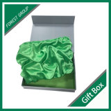 중국에 있는 녹색 삽입을%s 가진 서류상 선물 상자