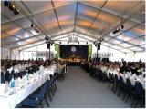 1000 povos cancelam a barraca do famoso do partido do telhado para o evento ao ar livre