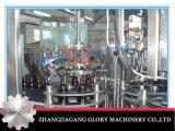 Relleno que se lava automático de Champán de la botella de cristal tapando la máquina con corcho
