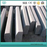 Blaukugel, Kalkstein, grauer Granit-Bordstein, Gehsteig