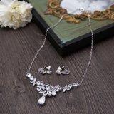 De nieuwe Oorring van de Halsband van de Manier van het Bergkristal van het Ontwerp Zilveren