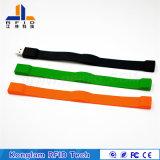 Wristband astuto personalizzato del silicone RFID del vario chip con il USB