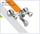 Bd1002c behandelt het Dubbel de Tapkraan van het Bad van het Messing