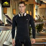 Vestiti di forma fisica delle parti superiori del Lungo-Manicotto e dell'elastico degli uomini