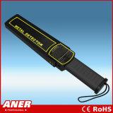 La polizia usa il mini tipo di vendita caldo metal detector tenuto in mano del corpo dello scanner per controllo di obbligazione