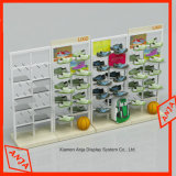 El almacén de madera calza los estantes de visualización de los dispositivos