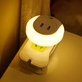 軽いセンサー寝室のEU/Usプラグのための二重USBの壁版の充電器が付いているLED夜ライト