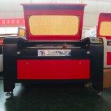 Os materiais da madeira/acrílico/metalóide fazem um cortador do laser