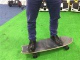 Longboard regular elegante de cuatro ruedas/patín