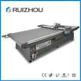 Máquina de estaca de pano do CNC da boa qualidade com transporte
