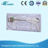 봉합사를 위한 처분할 수 있는 선형 스테이플러