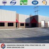 Stahlrahmen-Lager mit Stein- und Glaszwischenwand