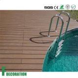 Decking composé en plastique en bois UV de diverses couleurs de prix concurrentiel anti