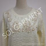 Les dames chaudes de vente ont tricoté le chandail avec la broderie et la perle (SOI1630)