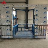 Plate-forme de levage de longeron de guide pour la charge et le déchargement de cargaison d'entrepôt