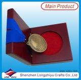 새로운 스포츠 피니셔 선물 상자를 가진 메달에 의하여 주문을 받아서 만들어지는 메달 메달