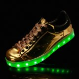 Glanzende LEIDENE van de Kleur van het Leer Lichte Loopschoenen met de Schoenen van Navulbare Batterijkabels