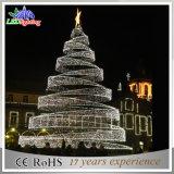 Großer Weihnachtsspirale-Baum verzierte Weihnachtsfestival-Dekoration-Weihnachtsbaum 2015