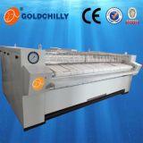 Fácil operar a lavanderia Flatwork Ironer do anúncio publicitário de 1600mm- 3300mm para o hotel do Bedsheet