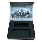 Contenitore di regalo di carta di lusso con l'inserto di EVA nella figura del libro