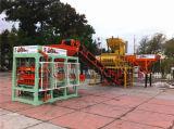 Linha de produção cheia da máquina oca concreta inteiramente automática hidráulica do tijolo Qt4-15