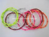 Pulseras mezcladas de la bobina del metal del brazalete del estiramiento de la bobina del resorte del color
