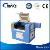 De Laser die van Co2 Scherpe Machine met boven en beneden Lijst graveren