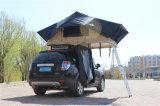 Tende di campeggio del tetto in cima all'automobile