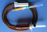 単一の使用のための生殖不能の耐光性の注入セット